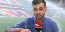 Nogometni reporter izvijestio do kraja iako su ga zalile prskalice na terenu VIDEO
