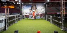 Čovjek protiv stroja na golu - čak ni Messi ni Neymar ne mogu zabiti ovom robotu