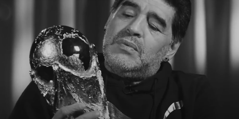 Napustila nas nogometna legenda – Maradona