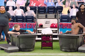 VIDEO Tony Hawk i Kevin Hart ćaskaju o životu dok im se smrzavaju jaja