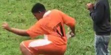 Svi imamo jednog prijatelja nogometaša koji se ovako zagrijava prije nego uđe u igru