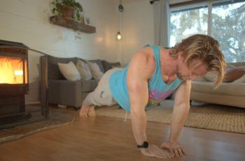 Trebaš dobre vježbe s vlastitom težinom da poništiš efekte sjedenja i jedenja? Buff Dudes se brinu za tebe
