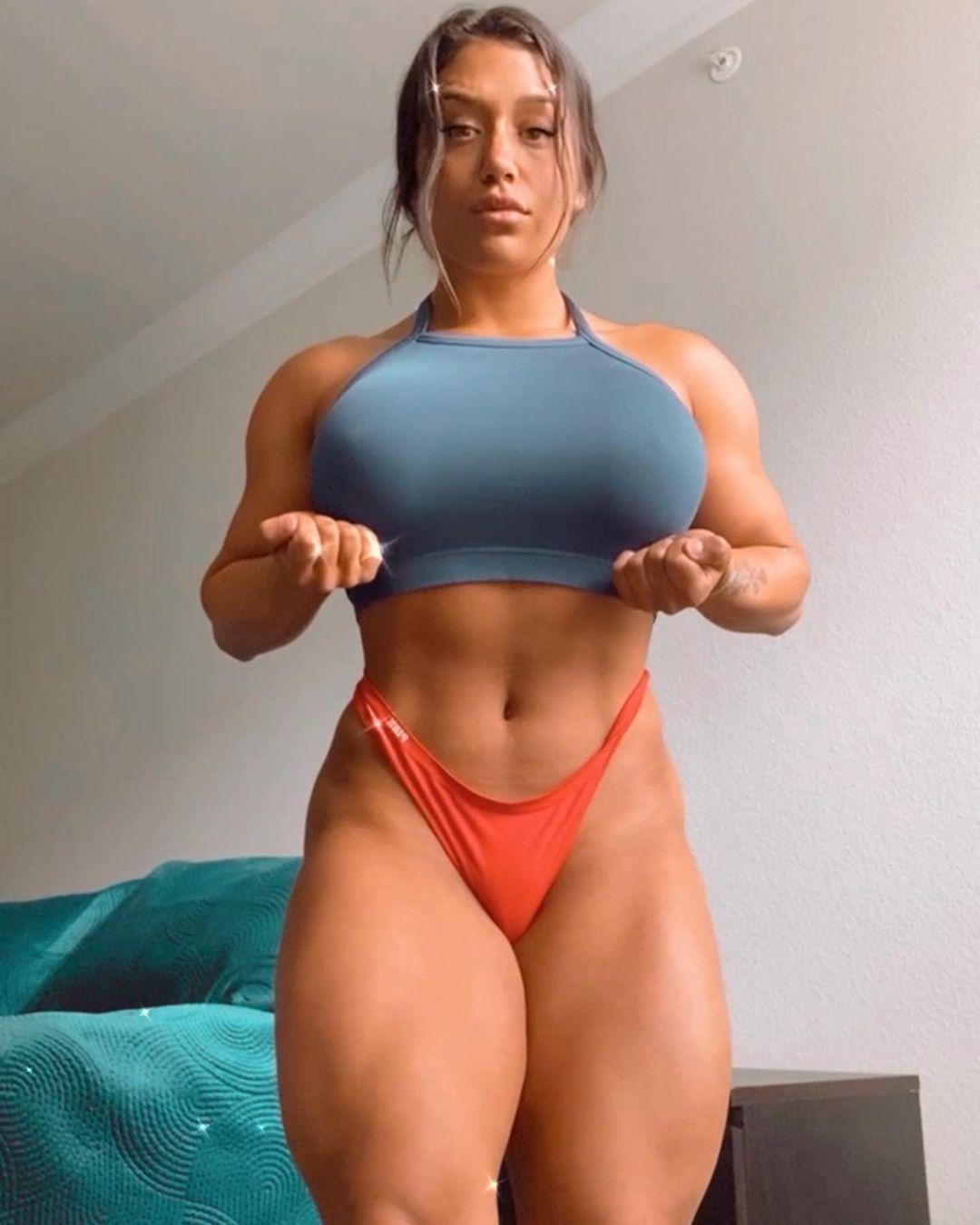 Julia Rene 8