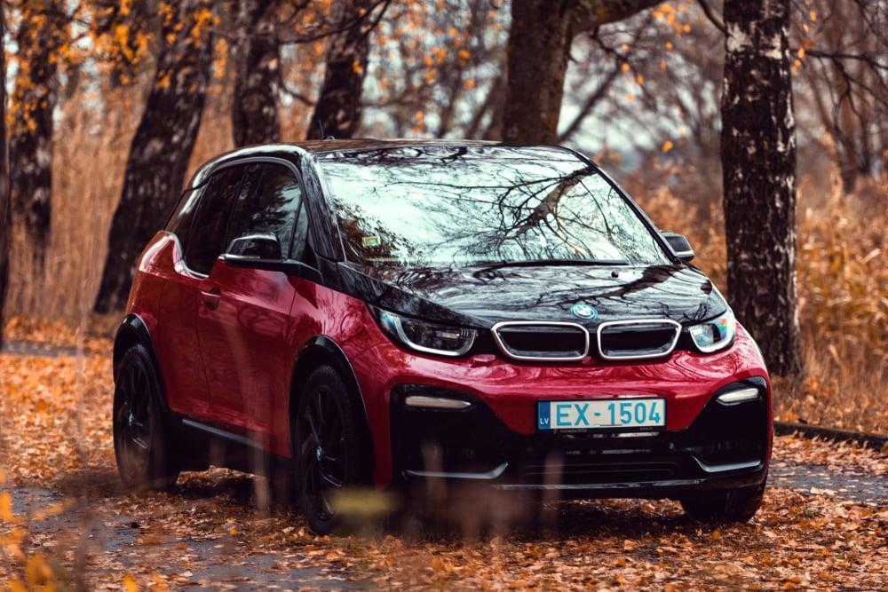 Riga,,Latvia,16,November,2018,Bmw,I3s,Electric,Car,Stand