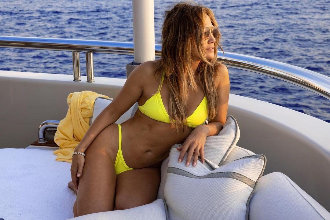 J.Lo 1