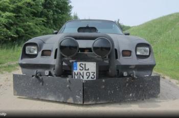 Za vrijeme rata u BiH, ovaj nabrijani američki automobil se koristio za prijevoz hrane
