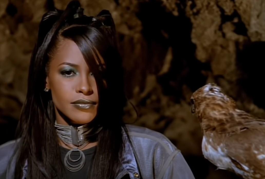 Aaliyah i sokol
