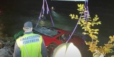 Vozač Lamborghinija pomiješao papučice za gas i kočenje pa sletio u jezero